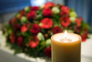 Кому положено пособие на погребение: критерии и условия
