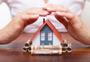 где ипотечное страхование дешевле