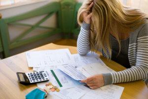 Как по фамилии узнать свои долги по кредитам и не нарушить закон, узнавая о долгах родственников