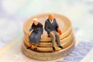 где взять кредит пенсионерам