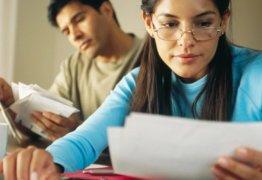 За кем сохраняется право на возврат 13 процентов за обучение?