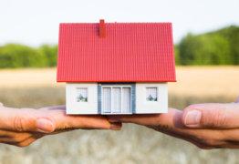 Стоит ли связываться с ипотекой под залог имеющейся недвижимости?
