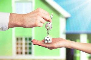 ипотека связана с постоянными долгами и переплатами