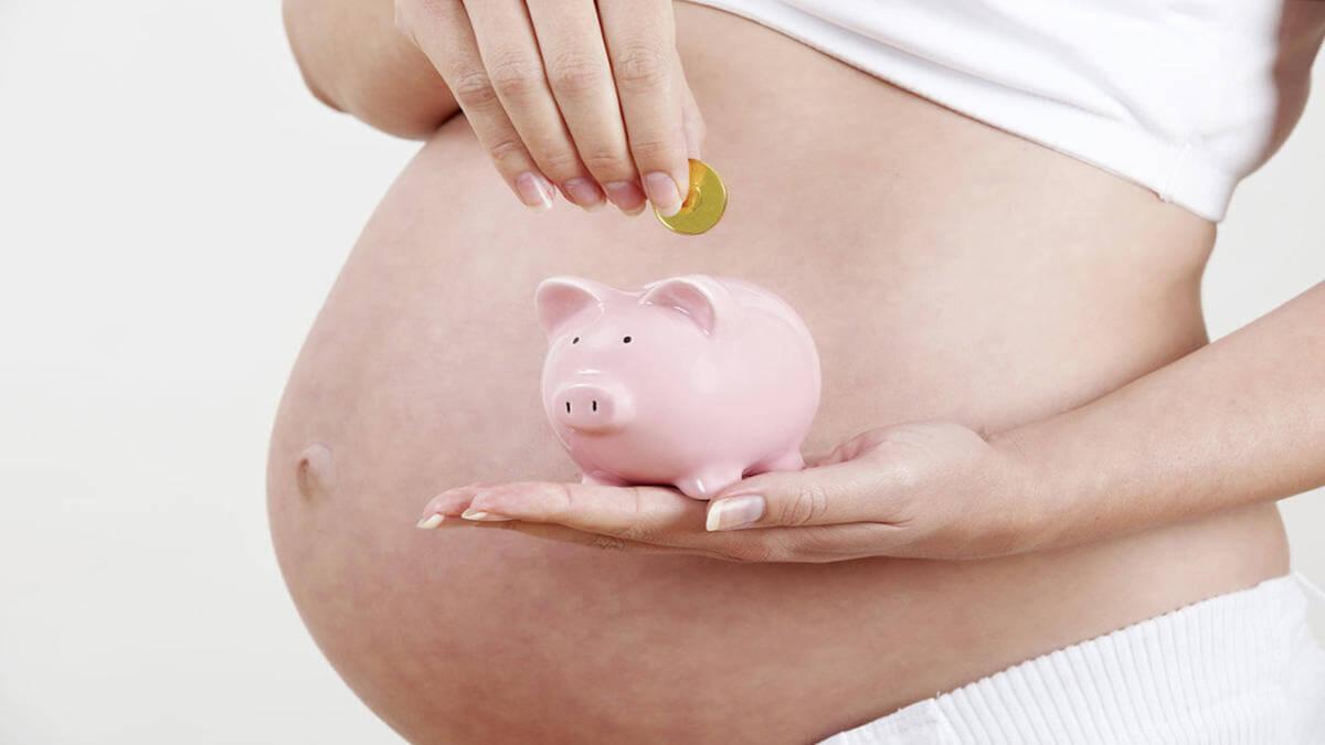 Какие пособия получает неработающая женщина при беременности и после родов