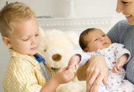 Детские пособия на второго ребенка: процедура получения денежных средств