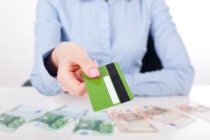 использование кредитных карточек